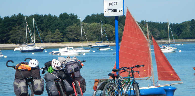 Bay of Audierne by bike