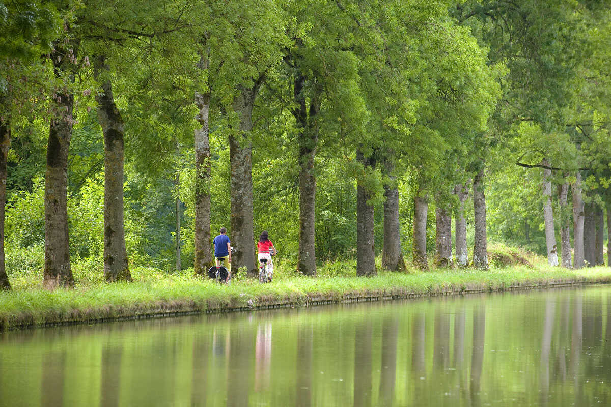 The Burgundy Canal by Bike, from la Bussière-sur-Ouche to Dijon