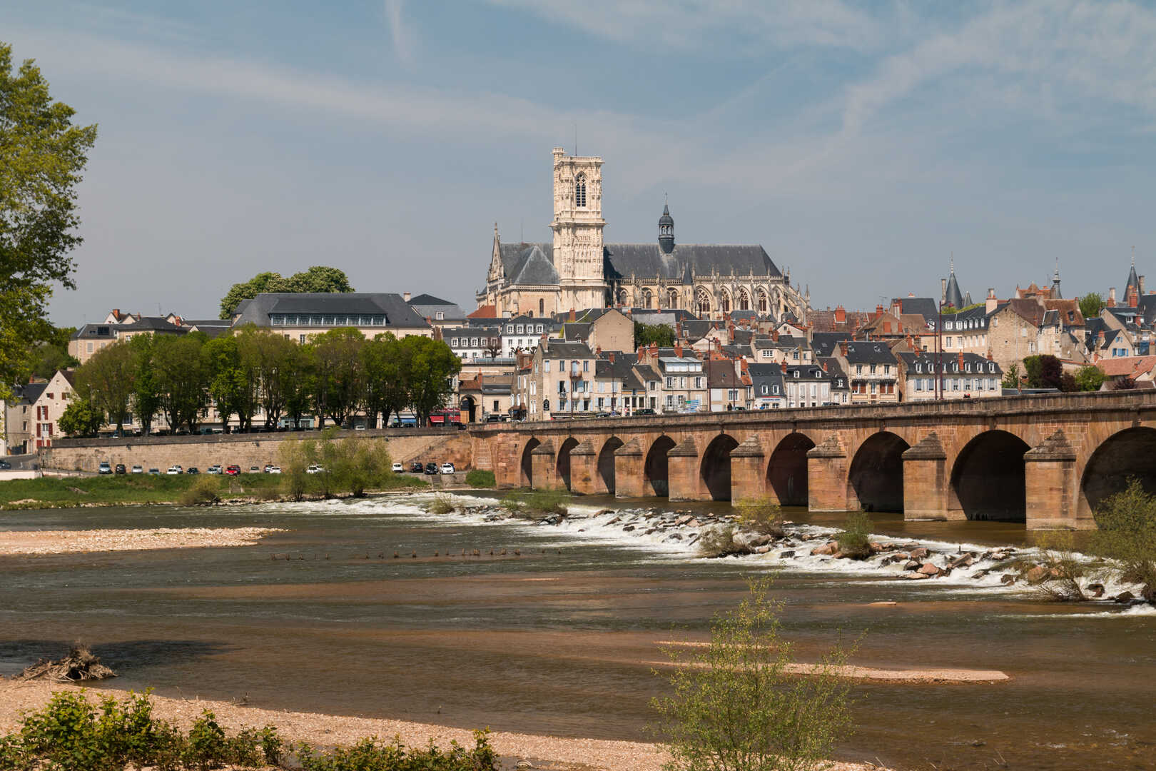 Bric A Brac Saone Et Loire visit nevers and its monumentsbike