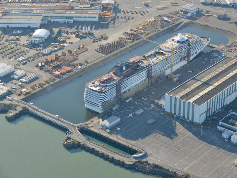 Ship-building Yards in St-Nazaire - STX Europe