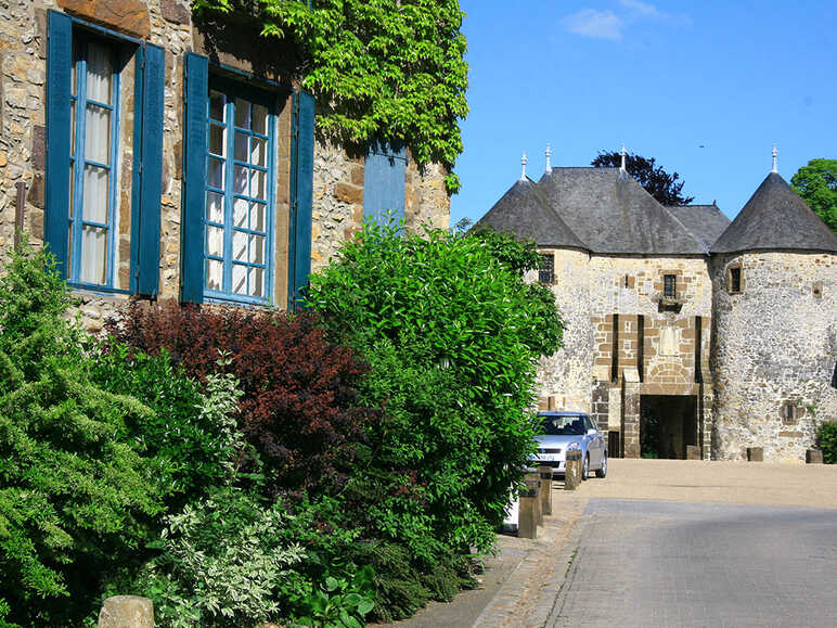 Fresnay-sur-Sarthe, ancient fortified city
