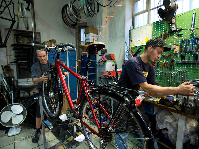 Repairing your bike in a bicycle shop